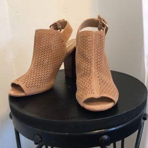 Tahari Margaret Tan Leather High Heal Myles 6.5